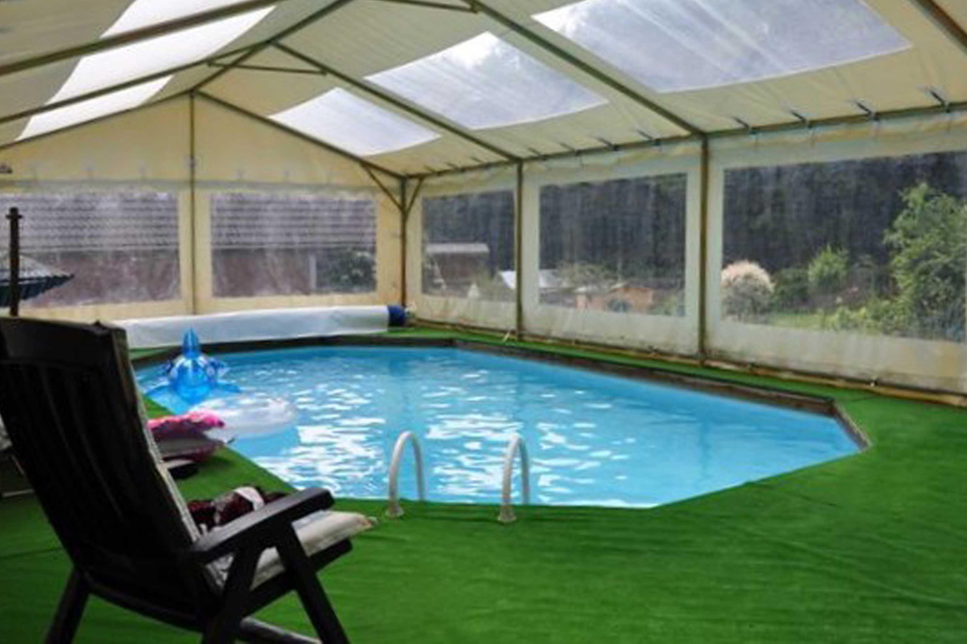 бокові штори на басейн